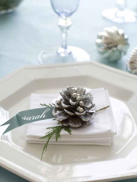 beautiful-winter-table-settings-13