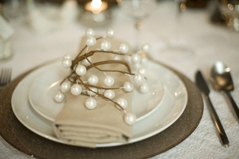 beautiful-winter-table-settings-17
