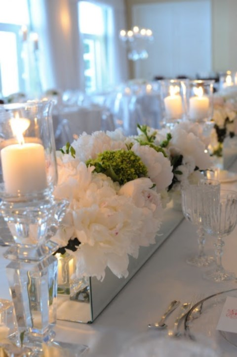 beautiful-winter-table-settings-18