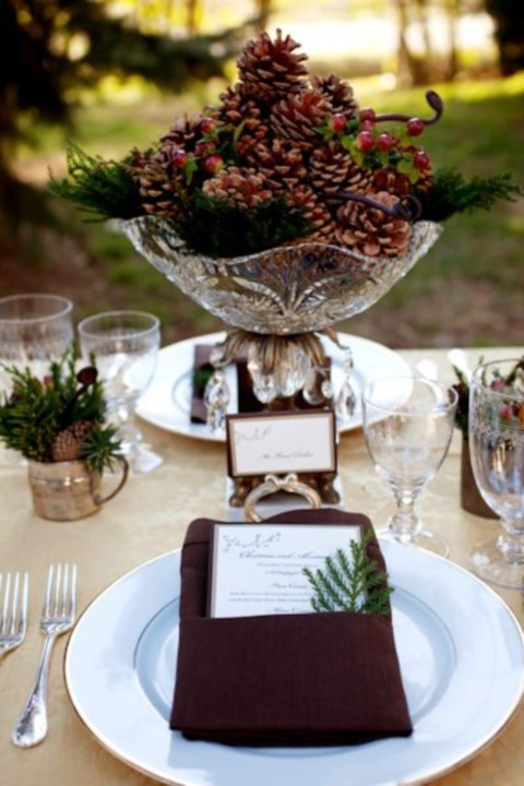 beautiful-winter-table-settings-19