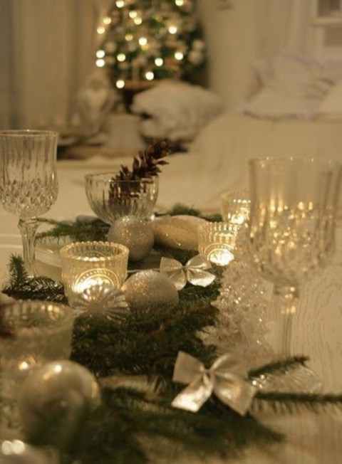 beautiful-winter-table-settings-24
