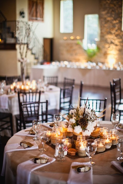 beautiful-winter-table-settings-29