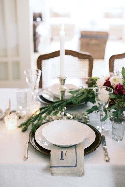 beautiful-winter-table-settings-40