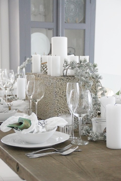 beautiful-winter-table-settings-46