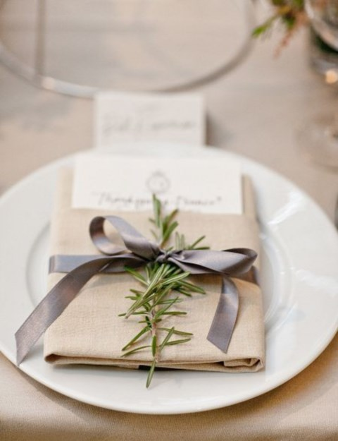 beautiful-winter-table-settings-55