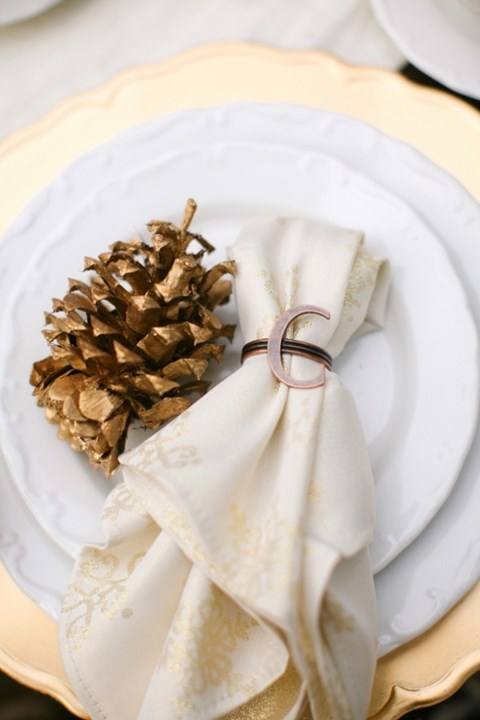beautiful-winter-table-settings-57