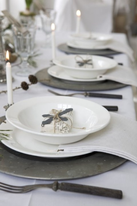 beautiful-winter-table-settings-59