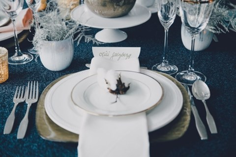 beautiful-winter-table-settings-72