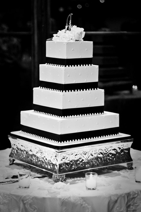 black_and_white_cake_02
