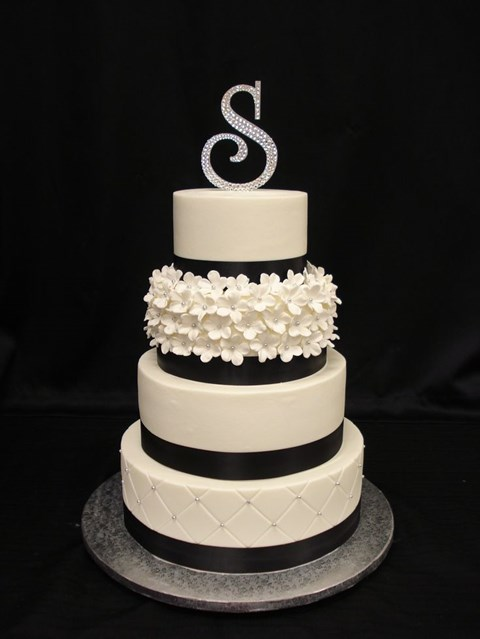 black_and_white_cake_03