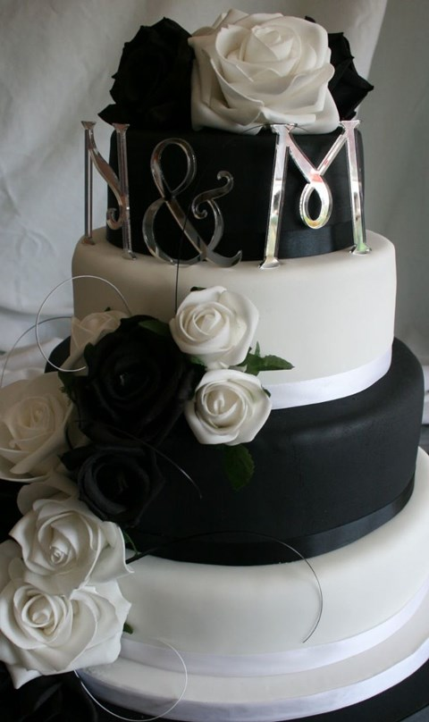 black_and_white_cake_05