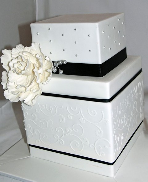 black_and_white_cake_09