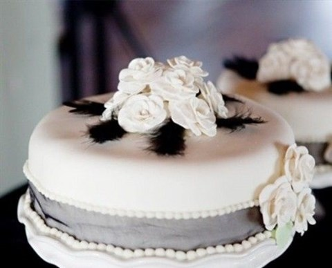 black_and_white_cake_15