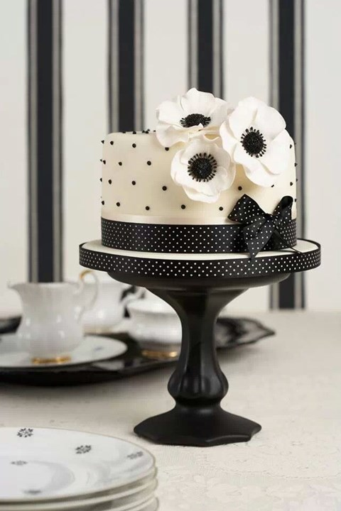 black_and_white_cake_29
