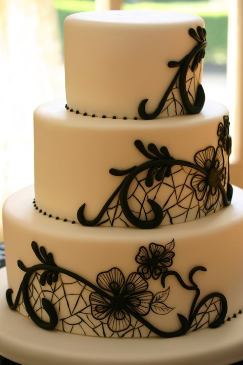 black_and_white_cake_34