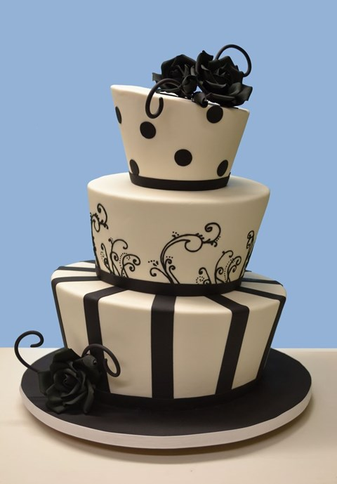 black_and_white_cake_39