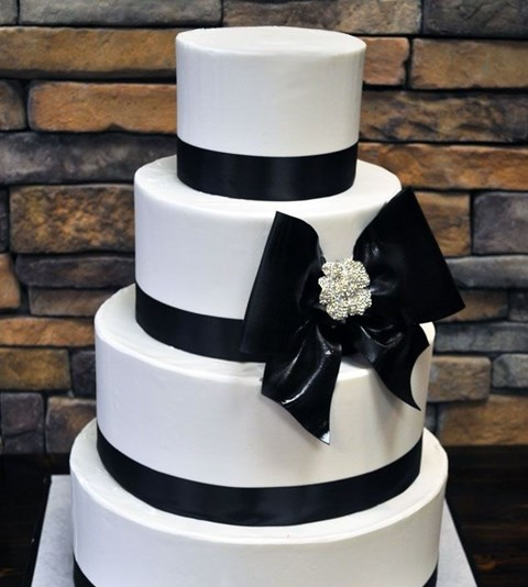 black_and_white_cake_40