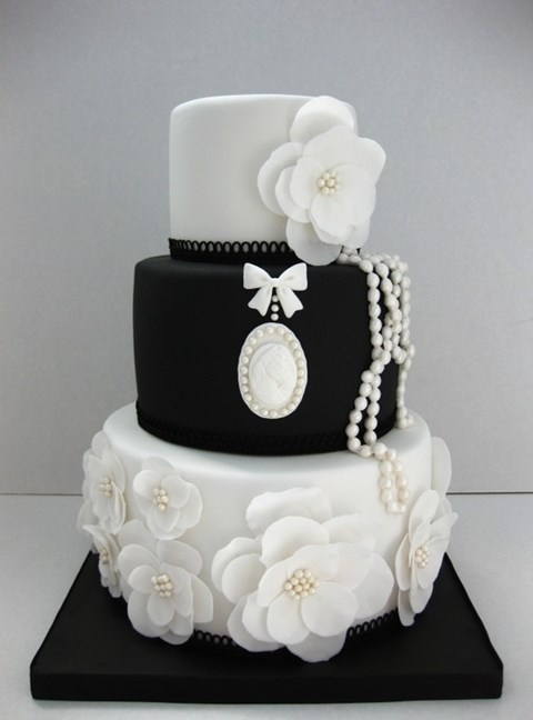 black_and_white_cake_44
