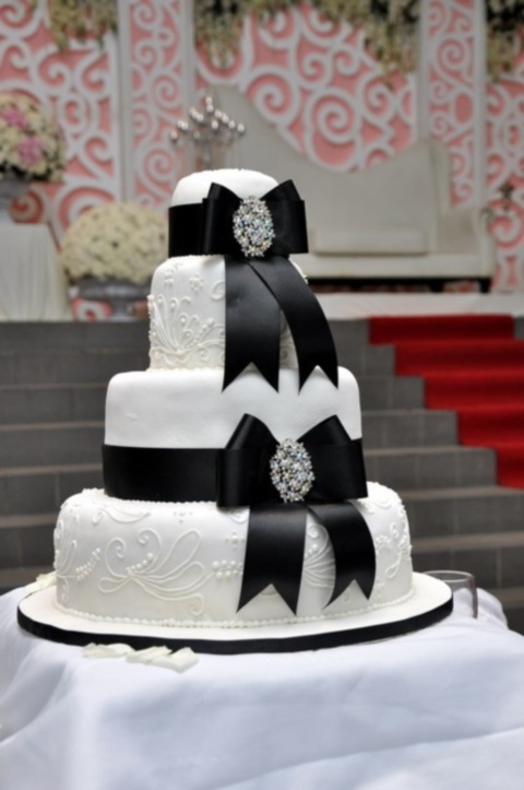 black_and_white_cake_50