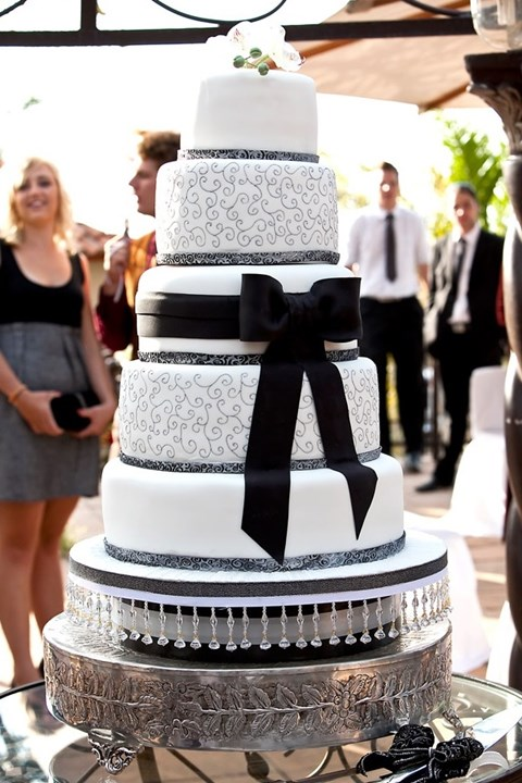 black_and_white_cake_88