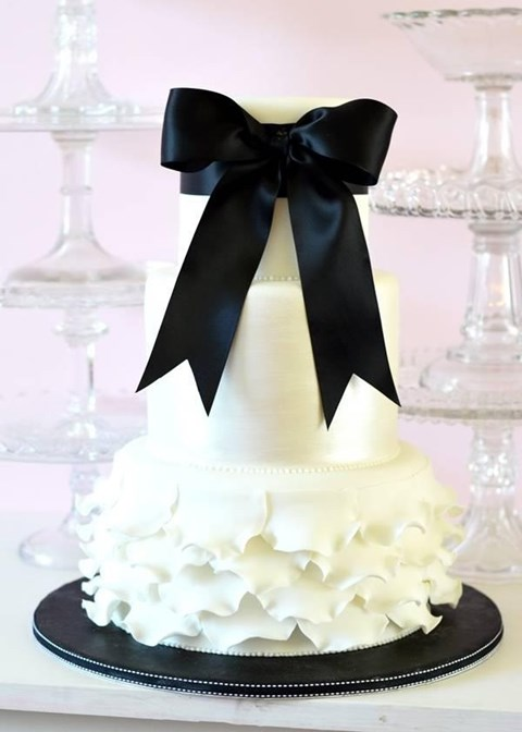 black_and_white_cake_91