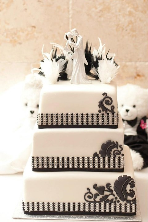 black_and_white_cake_93