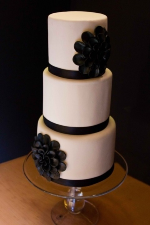 black_and_white_cake_96