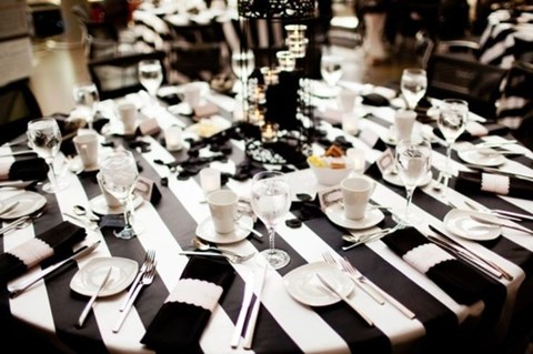 elegant-black-and-white-table-settings-11