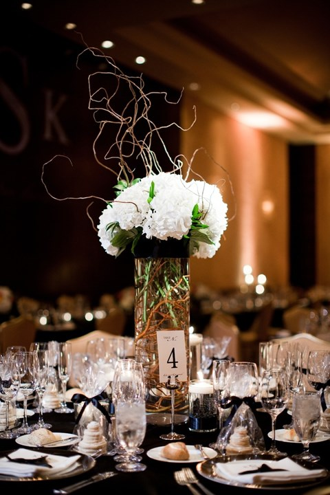 elegant-black-and-white-table-settings-18
