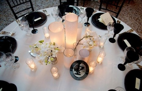 elegant-black-and-white-table-settings-2
