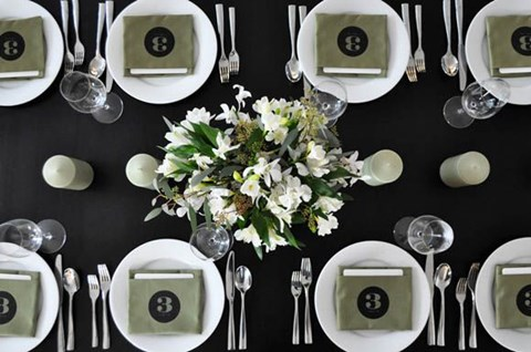 elegant-black-and-white-table-settings-26
