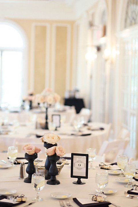 elegant-black-and-white-table-settings-30