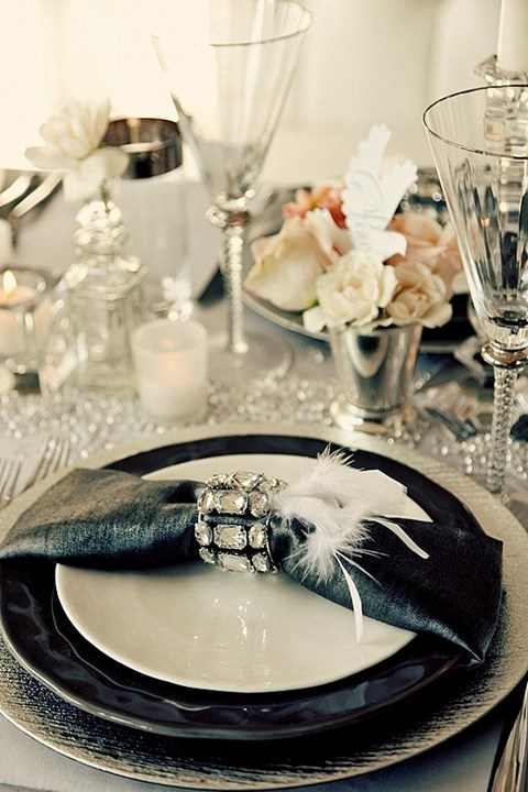 elegant-black-and-white-table-settings-31
