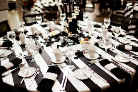 elegant-black-and-white-table-settings-46