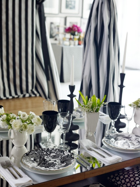elegant-black-and-white-table-settings-49