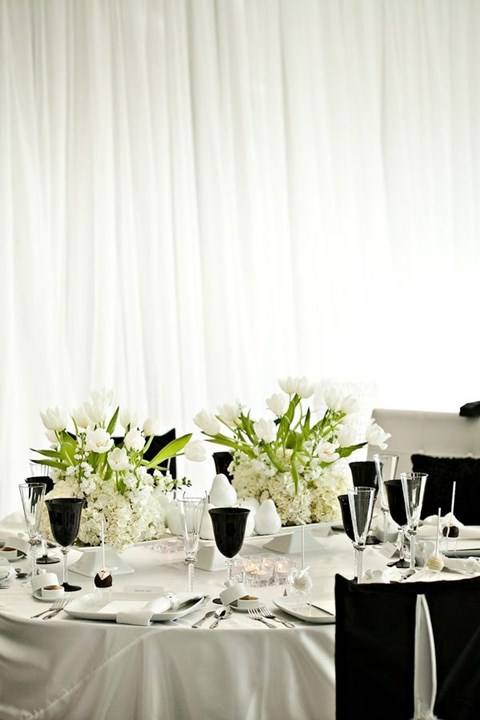 elegant-black-and-white-table-settings-52