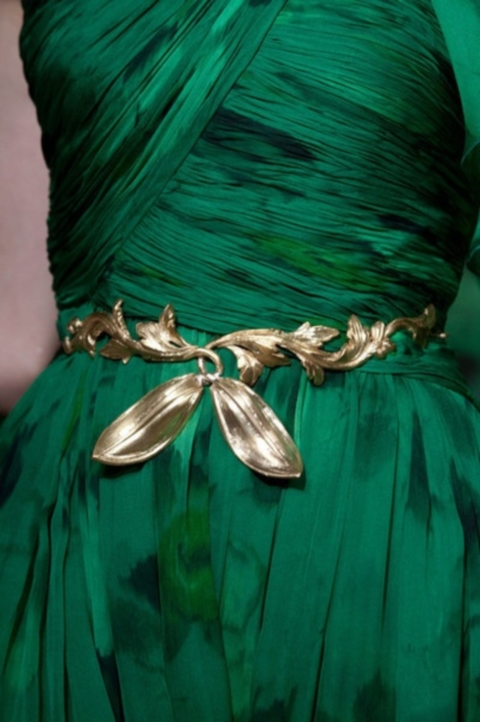emerald and gold wedding colors 19