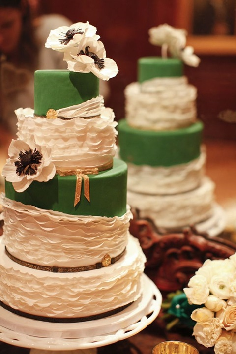 green and gold wedding color ideas 36