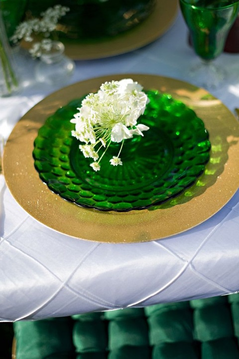 wedding colors of emerald and gold 28