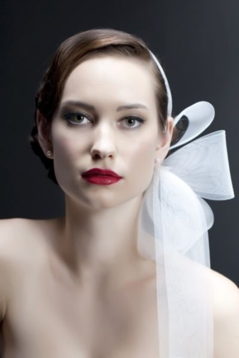 gorgeous-winter-bridal-makeup-examples-12