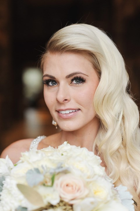 gorgeous-winter-bridal-makeup-examples-18