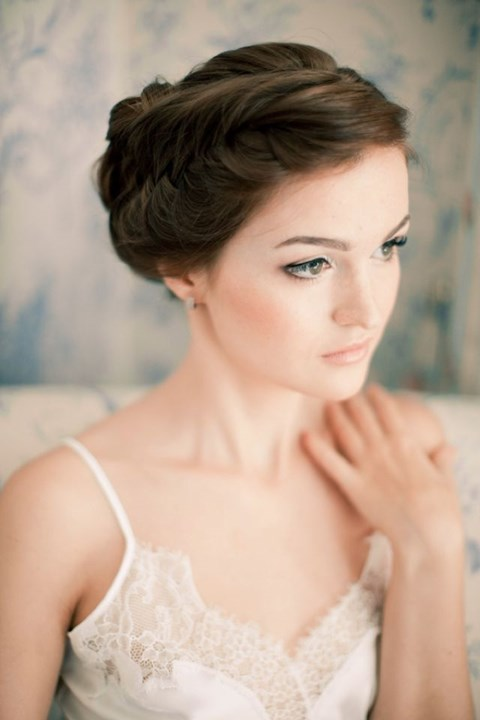 gorgeous-winter-bridal-makeup-examples-22