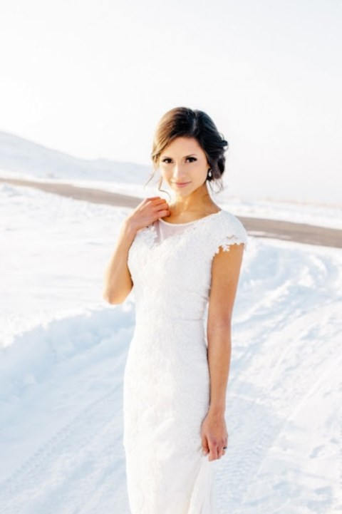 gorgeous-winter-bridal-makeup-examples-23