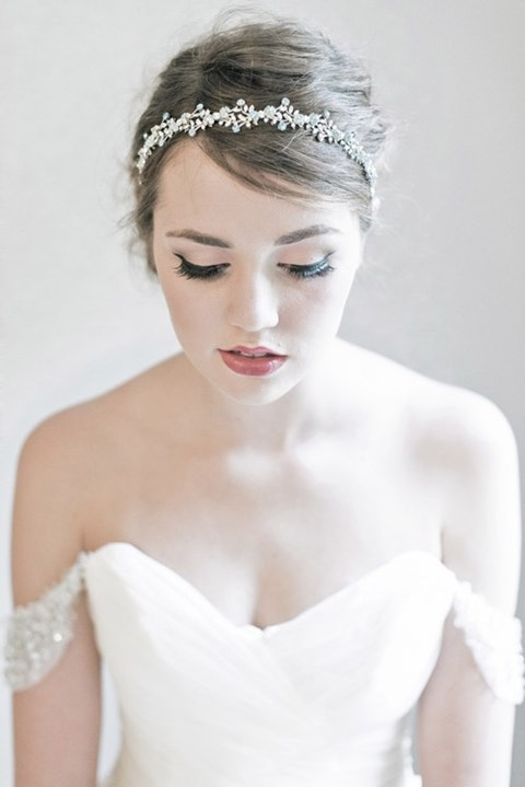 42 Gorgeous Winter Bridal Makeup Examples HappyWedd.com