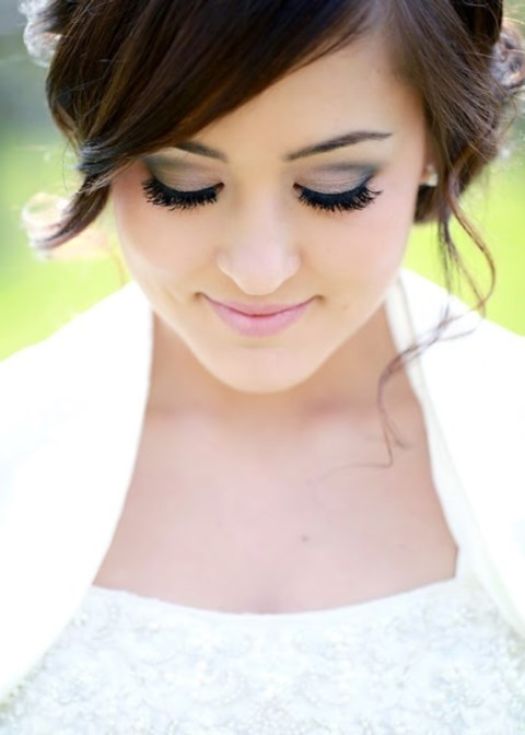 gorgeous-winter-bridal-makeup-examples-31