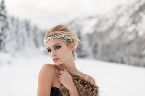 gorgeous-winter-bridal-makeup-examples-36