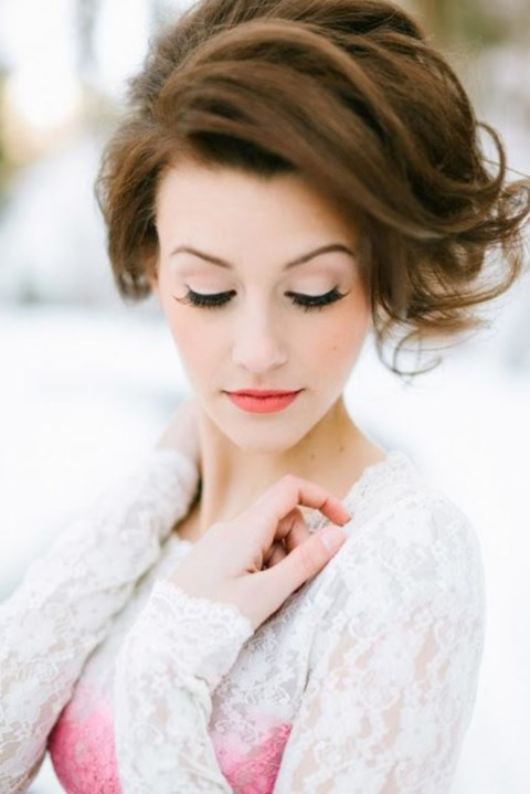 gorgeous-winter-bridal-makeup-examples-8