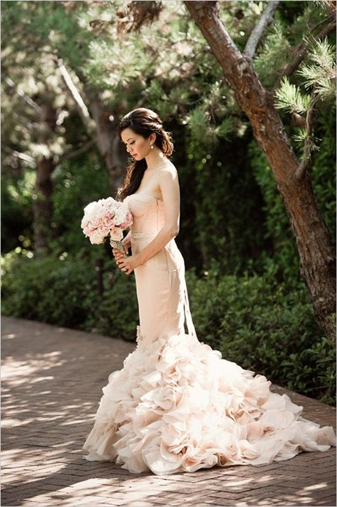 romantic-pastel-wedding-gowns-34