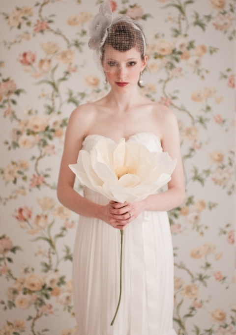 Beautiful Minimalism: 42 Single Bloom Bouquets For Brides And Bridesmaids