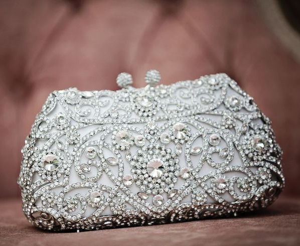 35 Stunning Bridal Clutches You'll Love